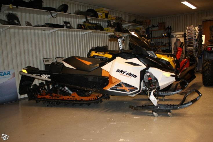 Ski-doo Summit 800 E-tec