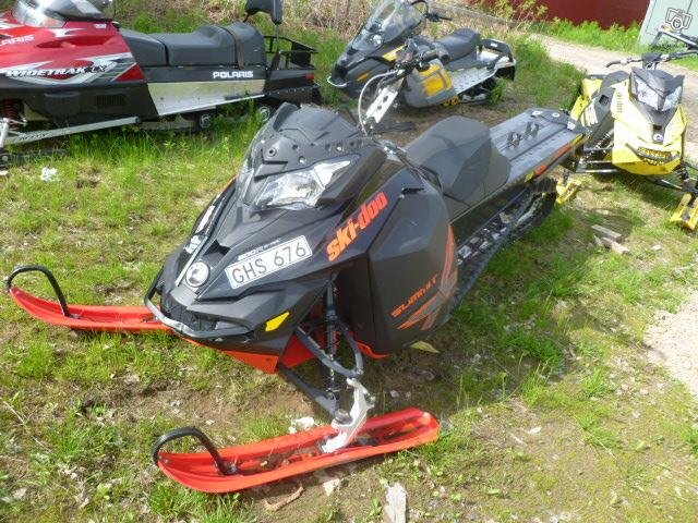 "Ski-doo Summit 800 X T3 174"" -15 (demonterad)"
