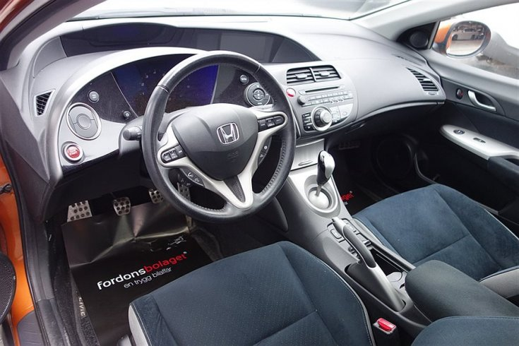 Honda Civic 1,8 i-VTEC Executive Navi -08