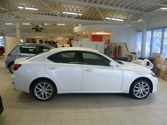 Lexus IS 200D 150 HK -11