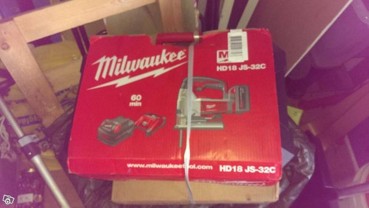 Milwaukee Sticksåg med 4,0Ah batterier