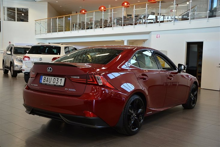 Lexus IS 300H SPORT -16