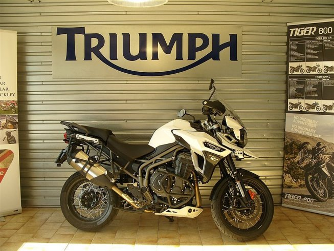 Triumph Tiger 1200 Explorer XCA ABS -16