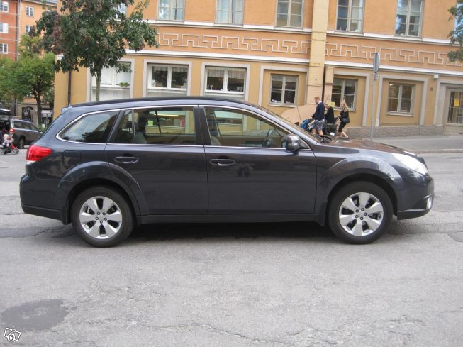 Subaru Outback 2,0D business -10