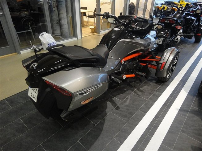 "Can-Am Spyder F3 Limited "" i Lager "" -16"