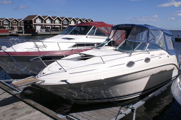 Sea Ray 240 Sundancer