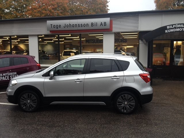 Suzuki S-CROSS 1,6 Exclusive 4X4 -14