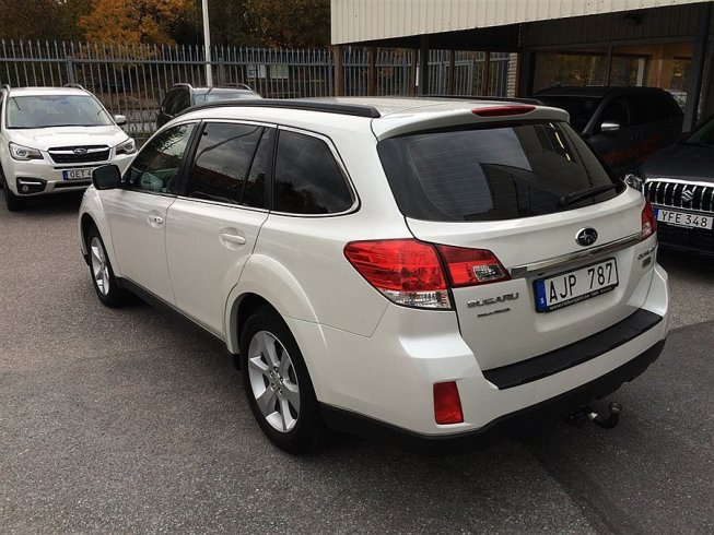 Subaru Outback 2,0D Business Plus -14