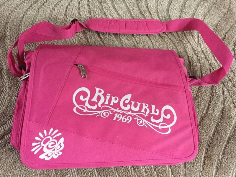 Ripcurl pink laptop bag