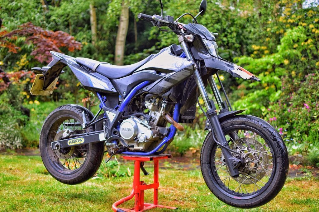 WR125 2013 LOW MILEAGE FULL SYSTEM ARROW EXHAUST RENTHAL BARS