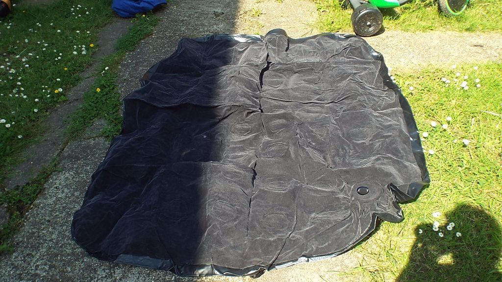 1 SINGLE AIRBED, 1 DOUBLE AIRBED & PUMP