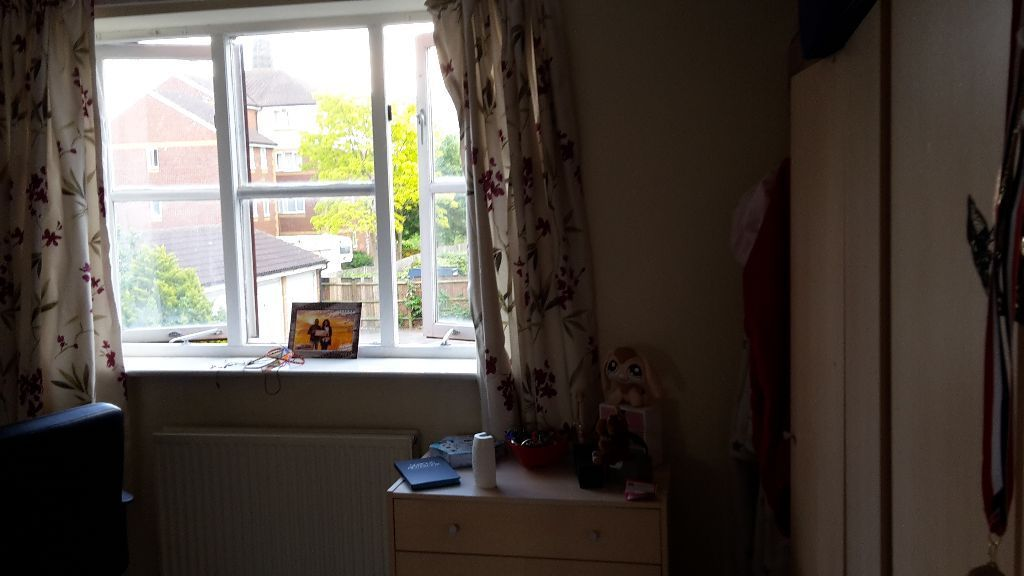 Riverside Estate, Zone 2 card, Cleaner, All Inc - Canary Wharf, London Bridge, Cannon Street
