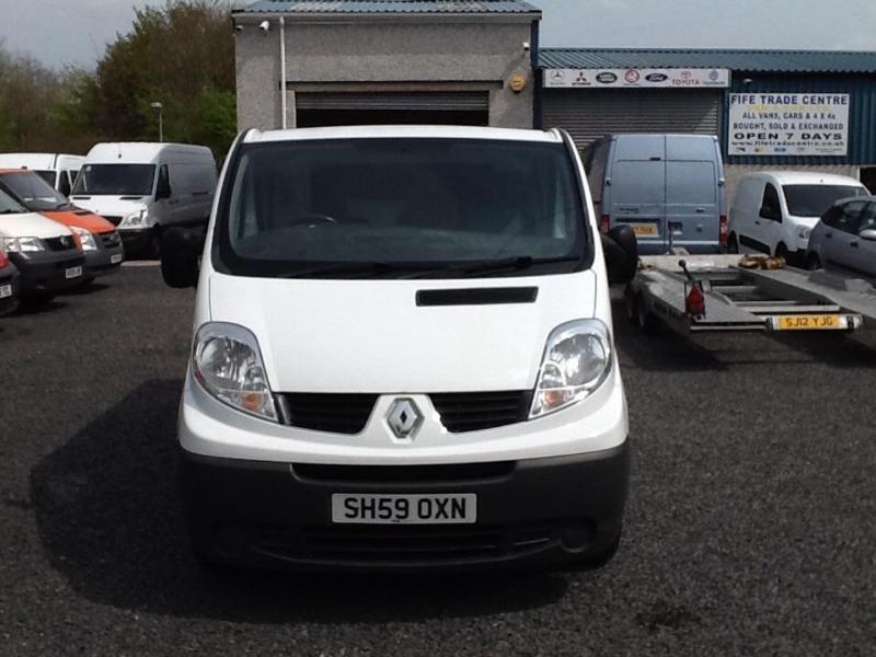 Renault Trafic 2.0TD SL27dCi 115 6 speed 2009 59 reg 2 owners from new