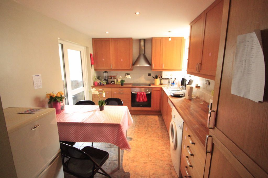 FABULOUS SINGLE ROOM IN CAMDEN TOWN - NW1 - ALL THE BILLS INCLUDED (37A)