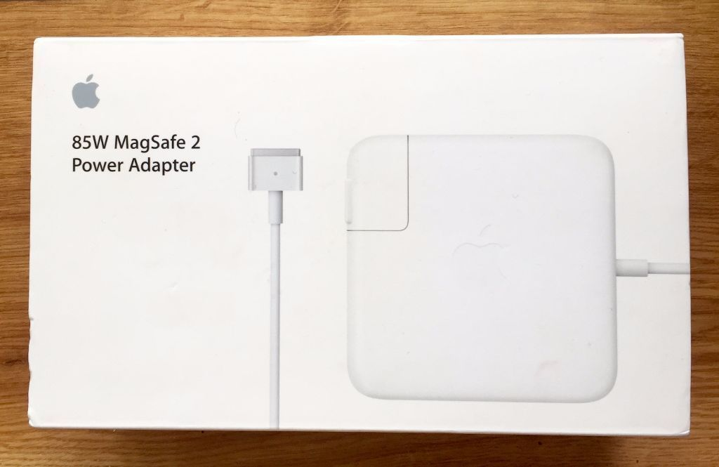 Never used Apple Mac 85W MagSafe 2 Power Adaptor