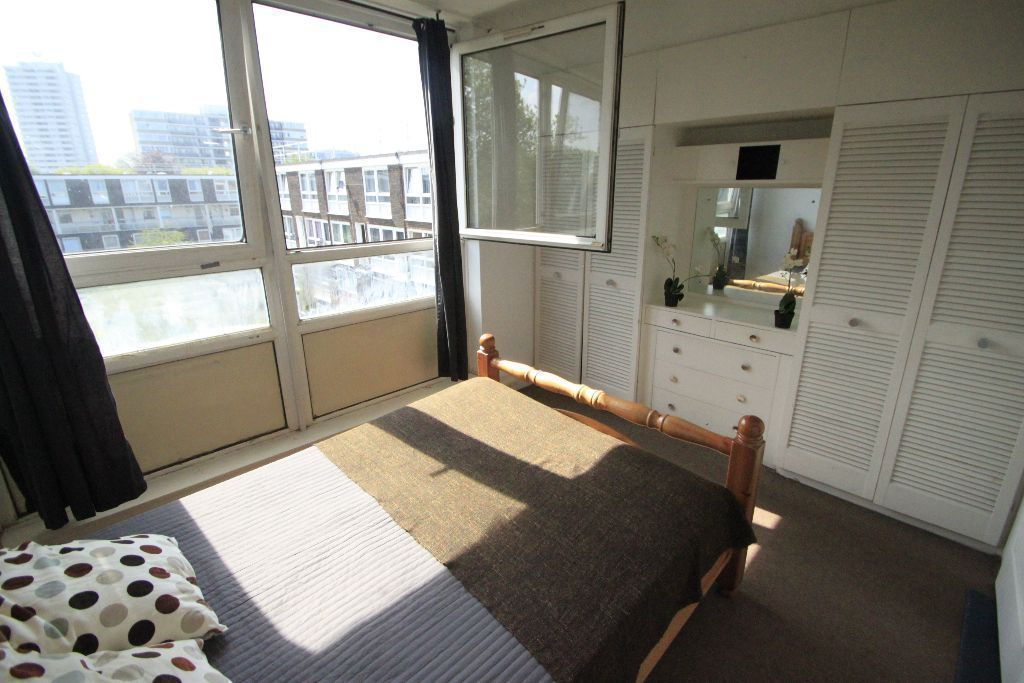 FANTASTIC DOUBLE room PERFECT FOR A COUPLE !! 78K
