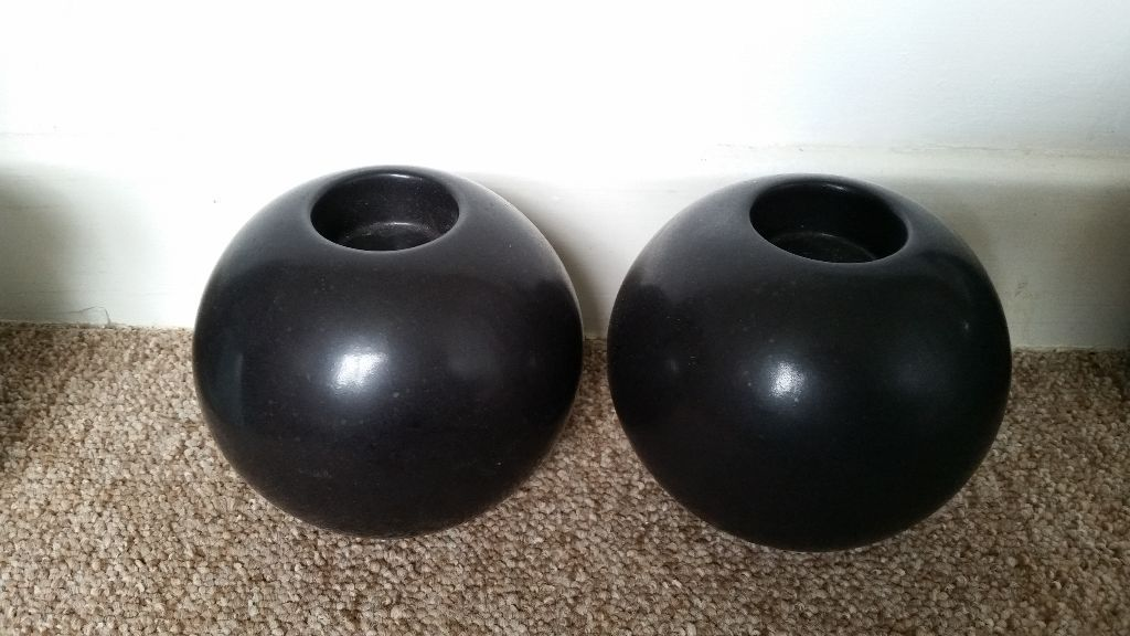 2 brown/black tealight holders