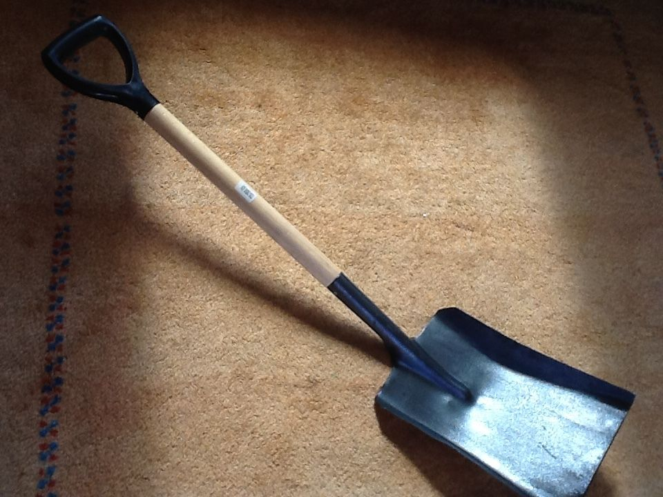 garden iron shovel