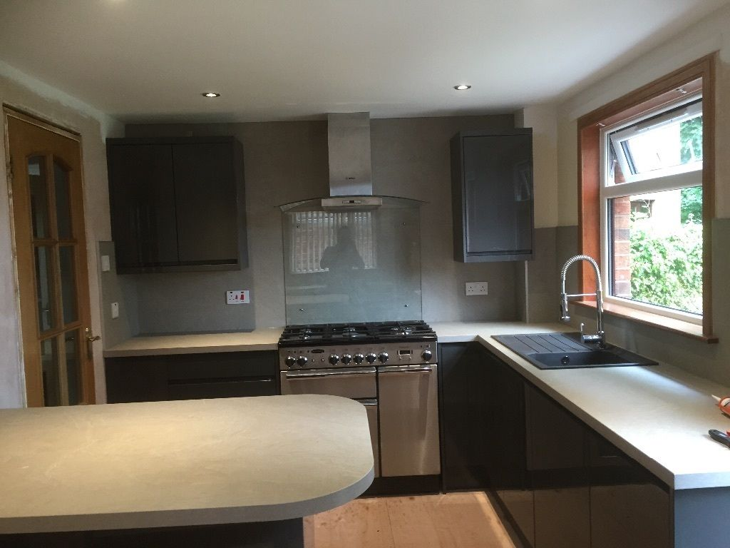 kitchens, bathrooms, joiners, kitchen fitting, builders and electricians. All trades 5* company