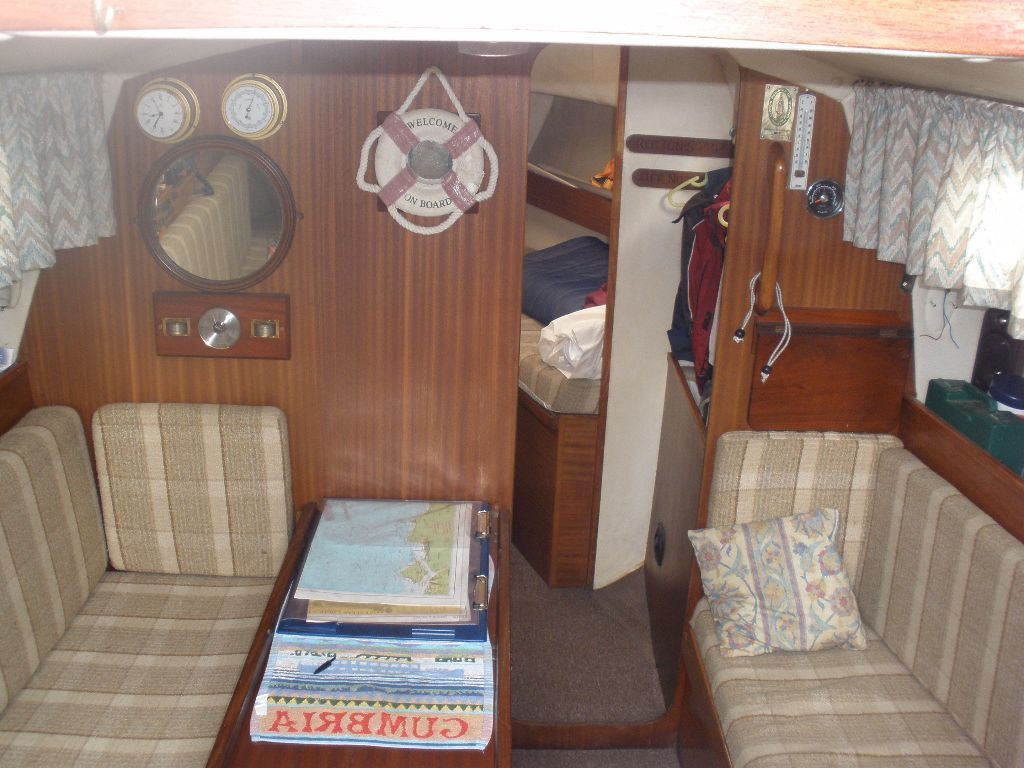 Westerly Griffon 1982. 26ft bilge keel yacht.Fully equipped ready to sail in excellent condition.