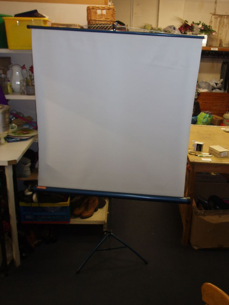 Projector Screen (Barclay)