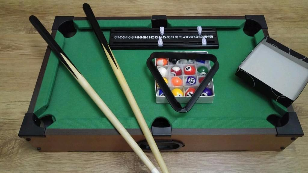 miniature pool table excellent condition Anlaby