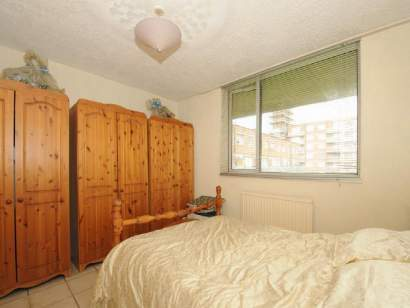 Big Double Room in Front of Bermondsey Station