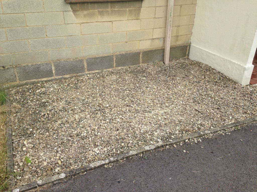 Free gravel, buyer to dig out and transport