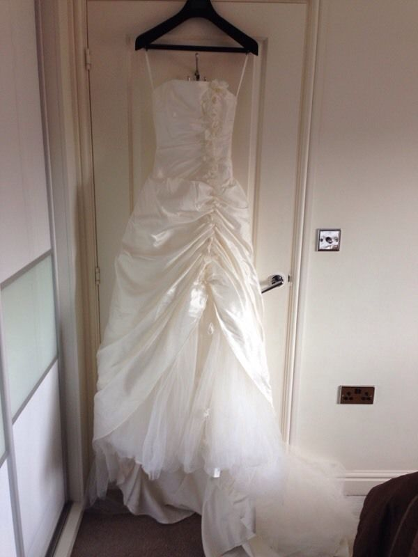 Beautiful Wedding Dress from Romantica Collection, Size 8