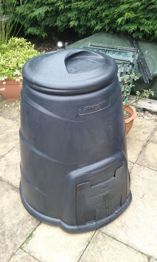 220L Composters - new - 2 available - local delivery possible
