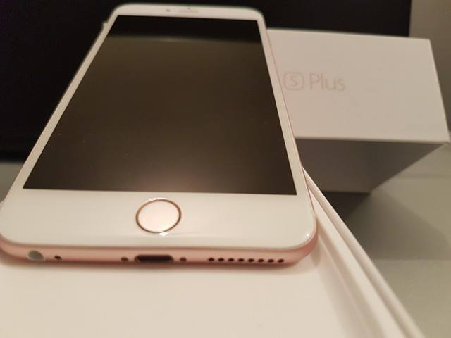 iPhone 6S PLUS ^UNLOCKED^^Rose GOLD 16GB SALE OR SWAP