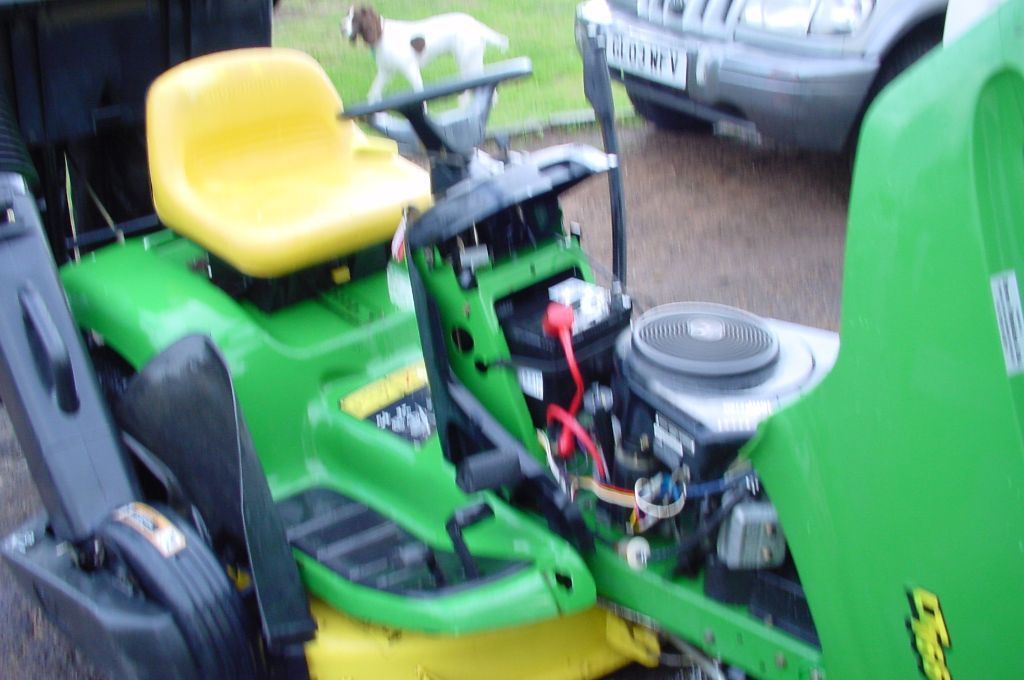 "Ride on lawnmower John Deere Lt166 42"" cut turbo collect or side discharge."