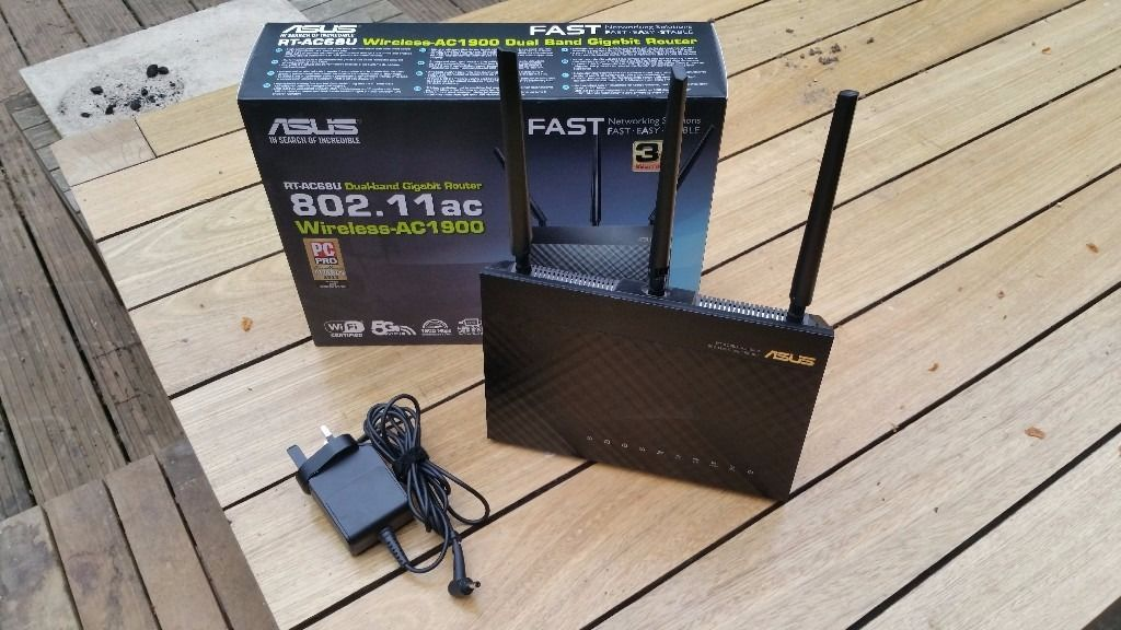 ASUS RT-AC68U AC1900 high speed router 1900 Mbps 10/100 Wireless AC Router (RTAC68U)