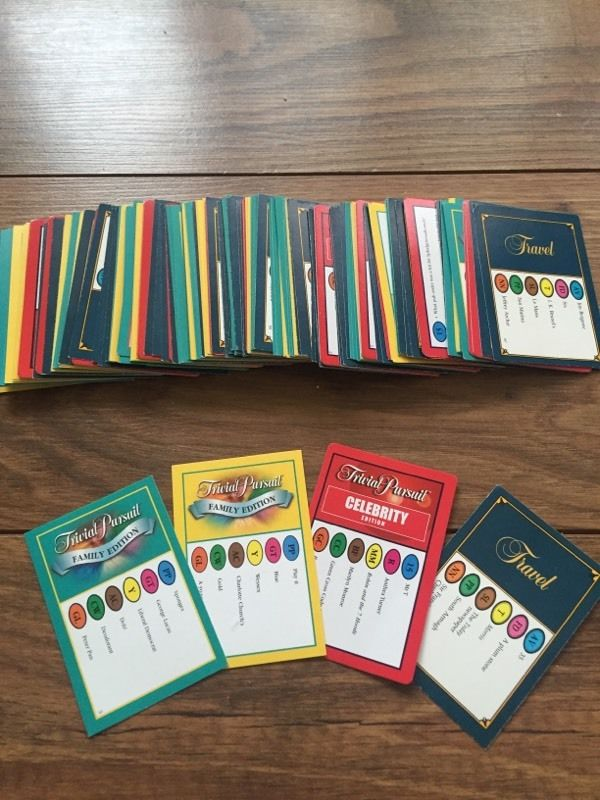 Trivia pursuit cards x180 cards used