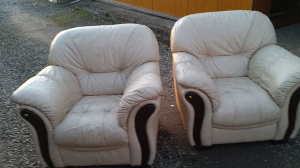 Leather sofa and 2 arm chairs