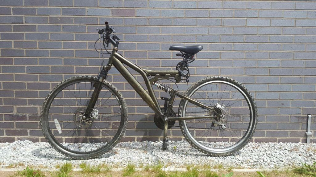 URGENT - Lightweight mountain bike with front and rear suspension