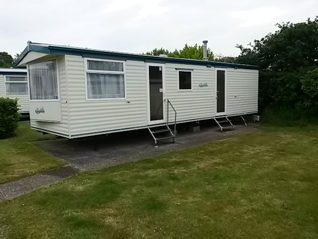 VERY CHEAP STATIC CARAVAN ISLE OF WIGHT NO AGE LIMIT ON CARAVANS 12 MONTH SEASON
