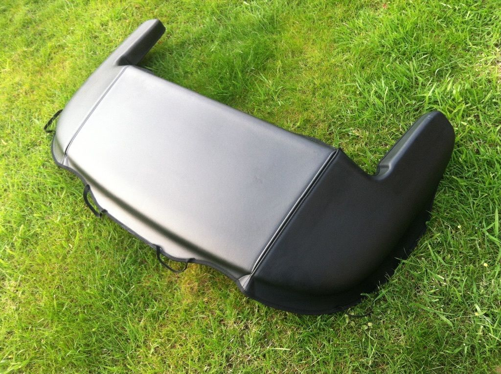 Audi TT Roadster MK1 Black Tonneau Cover for Convertible Roof