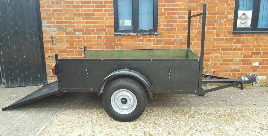 SOLID TRAILER 6 X 4 New Wood and Electrics