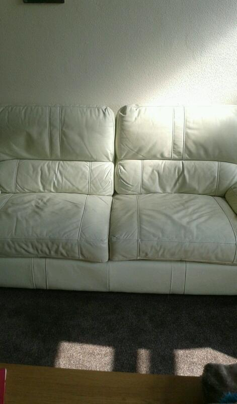 Good confition cream leather setee 15 pounds!