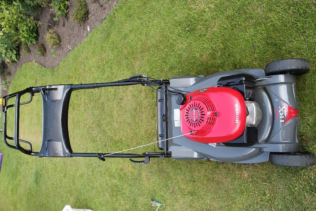 Honda HRX 476 self propelled lawn mower 19