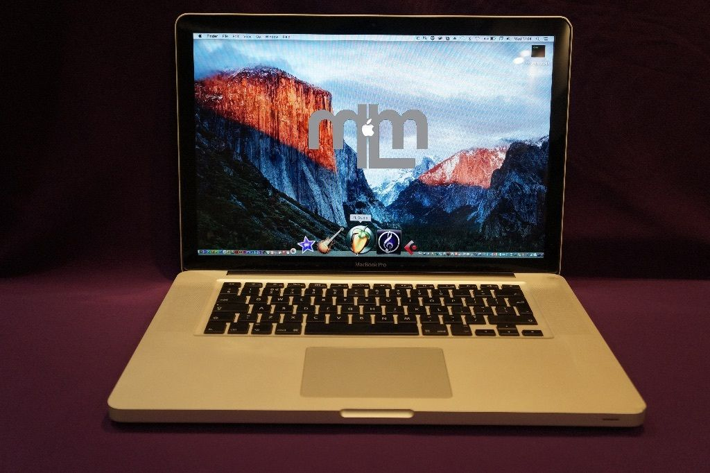 "Apple MACBOOK PRO 15"" 3.06Ghz CORE 2 DUO 4Gb 500GB HD NATIVE INSTRUMENTS MASSIVE CUBASE ABLETON"
