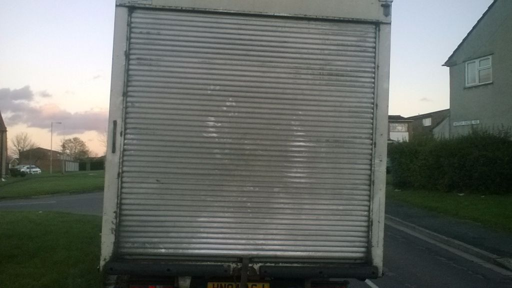 LUTON BOX VAN WITH DRIVER LOOKING FOR WORK.