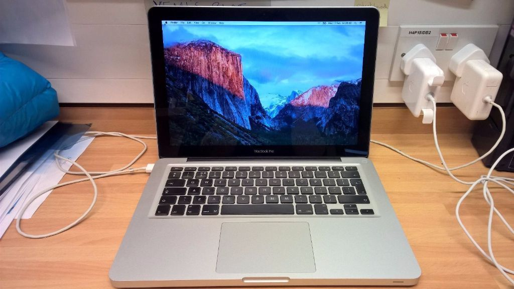 Macbook Pro i7 Apple laptop Intel Core i7 processor 4gb or 16gb ram 500gb hard drive
