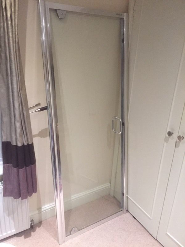 700-750 shower screen