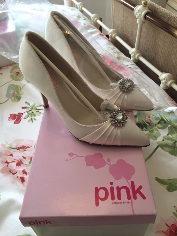 Ivory wedding shoes by Pink