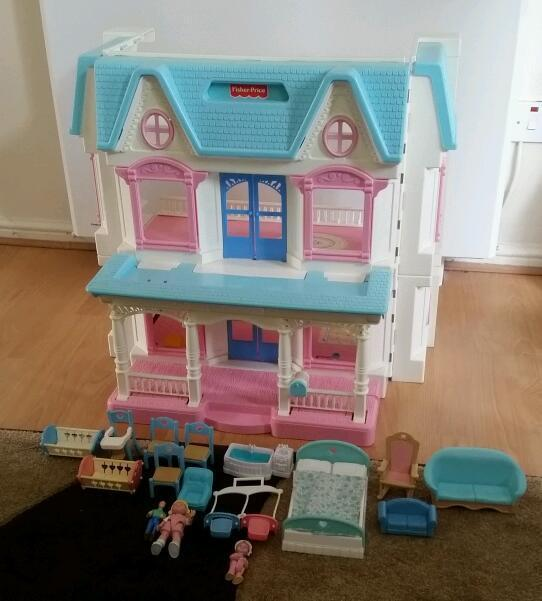 VINTAGE TOYS - 1992 FISHER PRICE DREAM DOLLS HOUSE AND FIGURES / ACCESSORIES