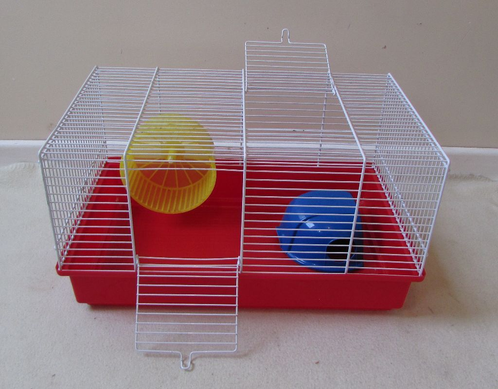 Hamster cage small animal cage Ferplast 45cms very good condition.