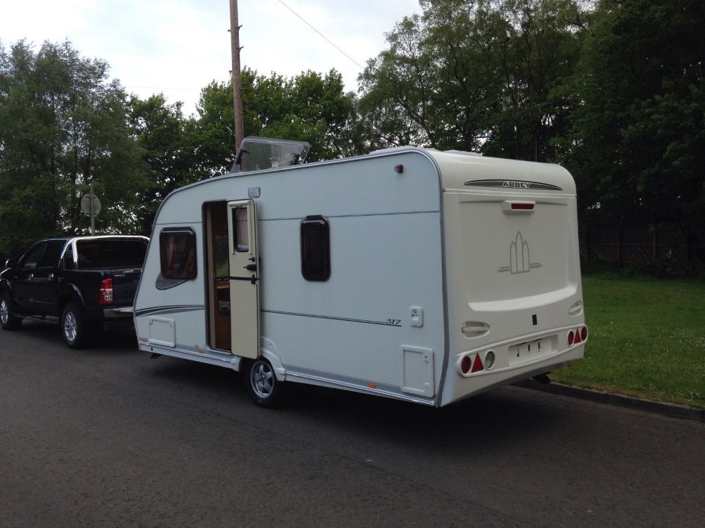 Abbey adventura fixed bed 2006 4 berth Full size cooker Electric heating system blow air