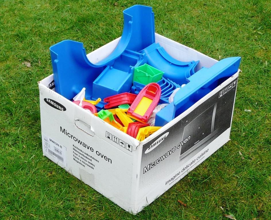 Huge aquaplay set with lock harbour boats ferry terminal - excellent condition Age 3+